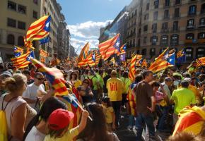 Des dizaines de milliers de personnes ont manifesté en faveur de l'indépendance à Barcelone le 11 septembre dernier, jour de la fête nationale catalane.
